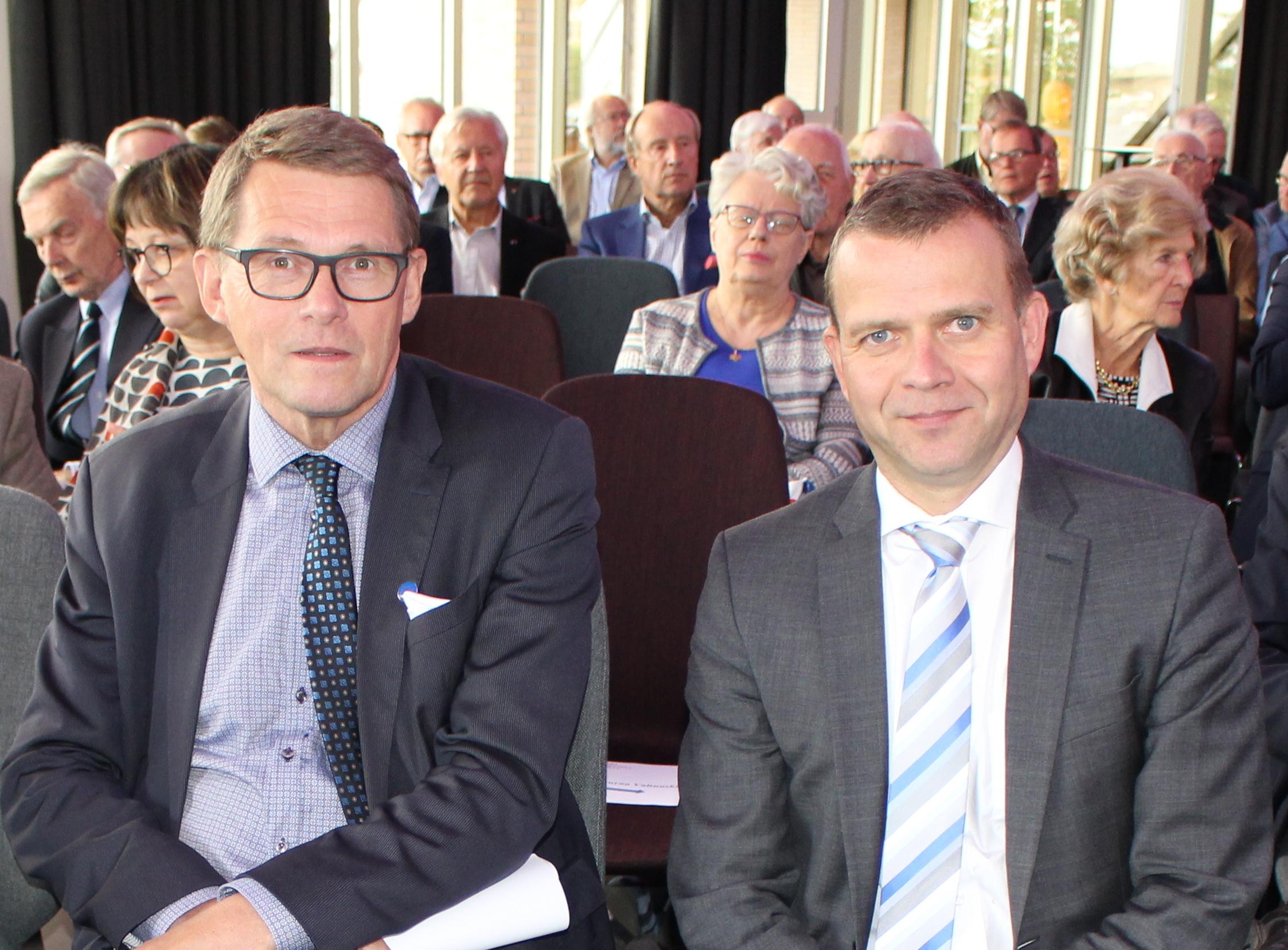 Kokoomuksen pj, valtiovarainministeri Petteri Orpo ja Paasikivi-Seuran pj Matti Vanhanen__UKK-luento Paasikivi-Seurassa 6.9.2017